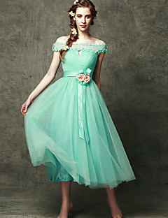 Tea-length Tulle Lace-up Bridesmaid Dress - A-line Off-the-shoulder with Appliques Flower(s)