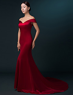 Formal Evening Dress Trumpet / Mermaid Off-the-shoulder Sweep / Brush Train Satin with Pleats