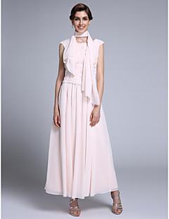 2017 lanting bride® schede / kolom moeder van de bruid jurk enkellange mouwloos chiffon met appliques