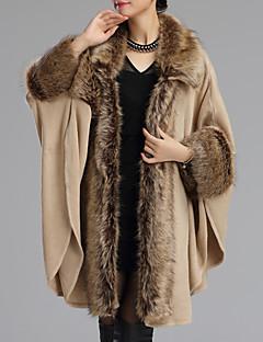 Women's Going out Sophisticated Regular Cloak / Capes,Patchwork Beige / Black Shirt Collar Long  Winter Medium