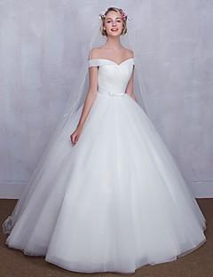 볼 드레스 웨딩 드레스 바닥 길이 오프 더 숄더 튤 와 리본 / 크리스-크로스