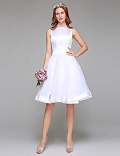 Lanting Bride® Linha A Vestido de Noiva Sem costas Até os Joelhos Canoa Organza Cetim com Laço Faixa / Fita