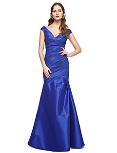 2017 TS Couture® Formal Evening Dress - Elegant Trumpet / Mermaid V-neck Floor-length Taffeta with Pleats