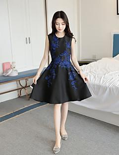 Kadın Dışarı Çıkma Günlük/Sade Sevimli Çan Elbise Nakışlı,Kolsuz Yuvarlak Yaka Diz üstü Polyester Bahar Yaz Normal Bel Mikro-Esnek Orta