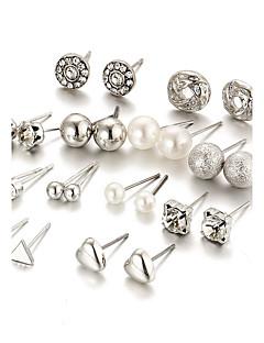 Žene Sitne naušnice Kristal Imitacija Pearl Umjetno drago kamenje Moda Elegantno Bling Bling Kristal Imitacija bisera LeguraRound Shape
