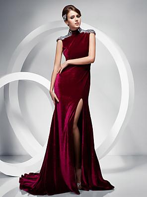 Formeller Abend / Gala Kleid - Elegant Trompete / Meerjungfrau Stehkragen Pinsel Schleppe Samt mit Kristall Verzierung / Vorne geschlitzt