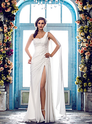 Lanting Bride® Sheath / Column Petite / Plus Sizes Wedding Dress - Classic & Timeless / Glamorous & Dramatic Sweep / Brush TrainOne
