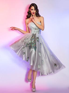 Coquetel / Reunião de Classe / Feriado Vestido - Assimétrico / Anos 50 Linha A Tomara que Caia Assimétrico Renda / Charmeuse / Tencel com