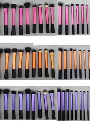 סט מברשות איפור בשלושה צבעים שונים - 20 חלקים. מברשות עם שיער צפוף