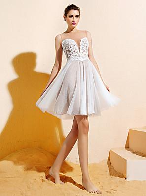 Lanting Bride® Knælang Blondelukning / Tyl Brudepigekjole A-linje Bateau Plusstørrelse / Petite med Applikeret broderi / Knapper
