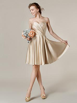 Lanting Bride® Ke kolenům Satén Šaty pro družičky - A-Linie / Princess Srdce Větší velikosti / Malé s Kapsy / Křížení