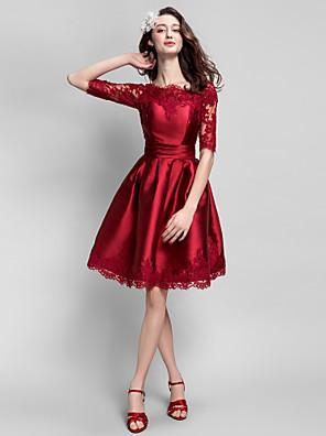 칵테일 파티 드레스 볼 드레스 보트넥 무릎 길이 새틴 와 아플리케 / 허리끈/리본 / 루시 주름 장식