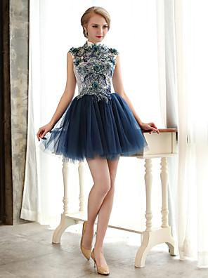 מסיבת קוקטייל שמלה גזרת A צווארון גבוה קצר \ מיני תחרה / טול עם חרוזים / פרח(ים) / נצנצים