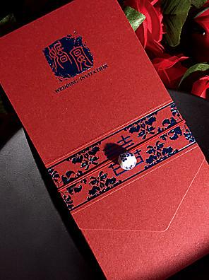Személyre szabott Felöltő & Zseb Esküvői Meghívók Meghívók / Eljegyzési meghívók-50 Darab / készlet Művészeti stílus Gyöngy-papír