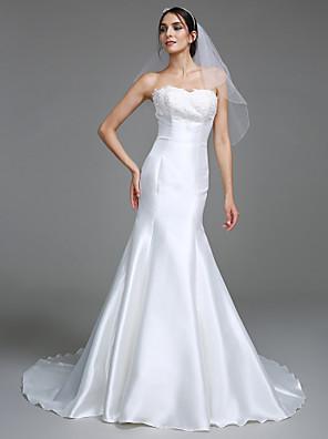 Lanting Bride® Trumpet / Mermaid Wedding Dress Court Train Sweetheart Satin with Appliques
