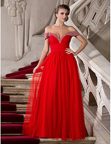 Vestido de noiva vermelho de Jennifer Aniston