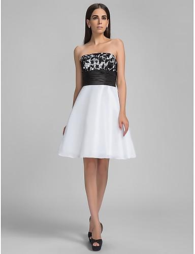 Vestido branco de renda preta de Angelina Jolie
