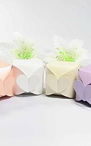 Conception de coeur de boîte de faveur - Lot de 12 (plus de couleurs)