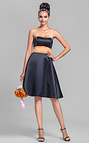 Knee-length Satin Bridesmaid Dress-Plus Size / Petite A-line Strapless