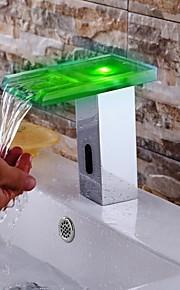 eigentijdse verchroomde afwerking geleid waterval badkamer wastafel kraan met automatische sensor kraan (koud&warm)
