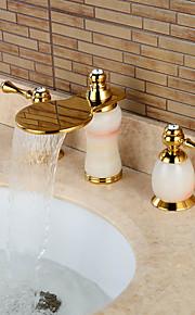 Разбросанная Две ручки три отверстия in Титан с влогоотталкивающим покрытием Ванная раковина кран