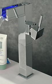 Moderne Centersat LED with  Keramik Ventil Enkelt håndtag Et Hul for  Krom , Håndvasken vandhane