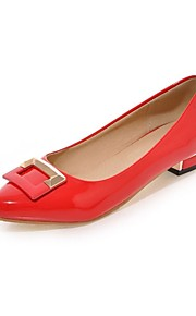 Women's Flats Summer/Pointed Toe Patent Leather Outdoor / Office & Career / Casual Flat Heel Applique Black / Red /
