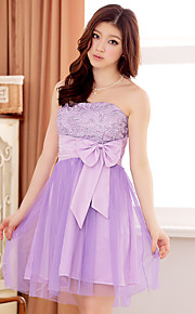 Knee-length Satin / Tulle Bridesmaid Dress A-line Strapless with Bow(s) / Lace