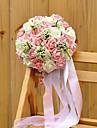 bouquet de mariage tissu de soie pe mariage romantique mariee tenant des fleurs