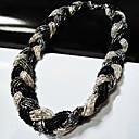 Tekstura tkani pleteni ogrlicu